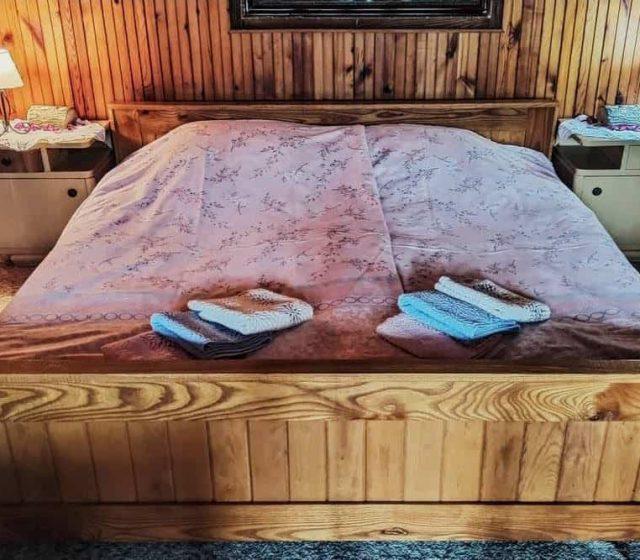 Krevet u spavacoj sobi